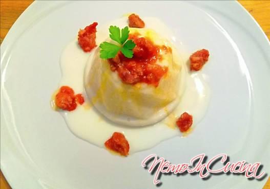 Sformatino di Polenta con sugo di Salsiccia e salsa al Pecorino