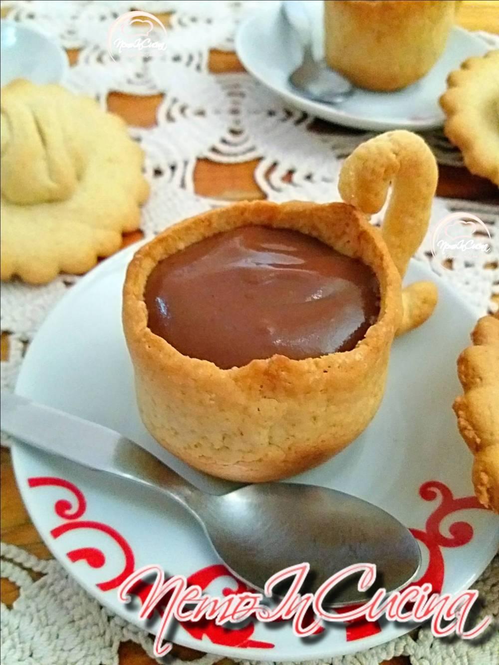 Tazzine di Frolla con crema al cioccolato